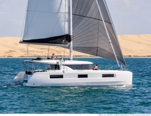 Location_catamaran_lagoon_46_en_navigation
